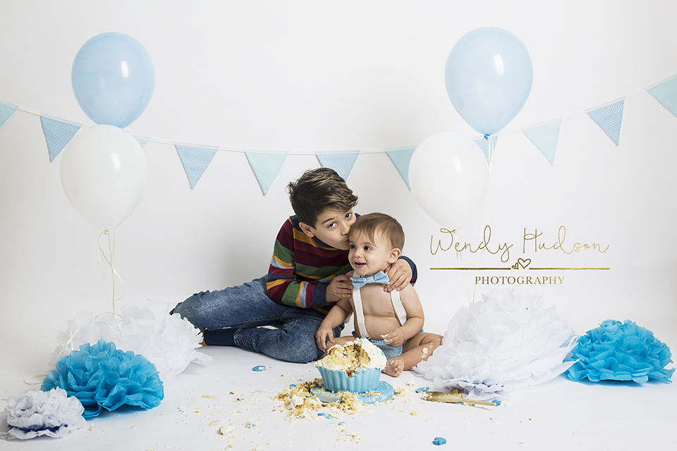 Cake-smash-photography-west-sussex
