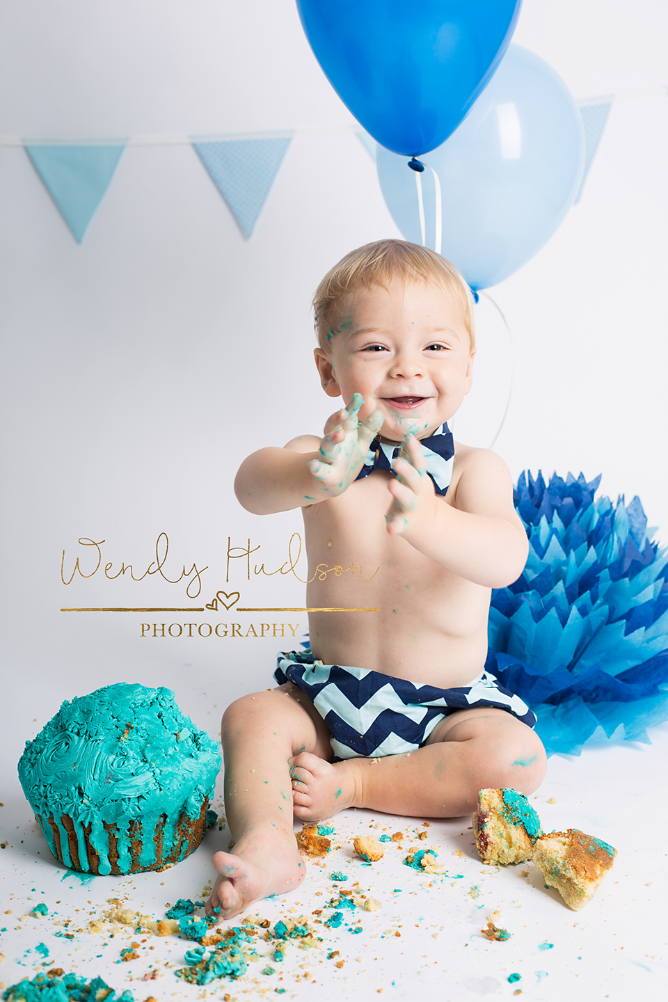 Cake smash photoshoot west sussex